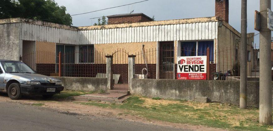 CASA EN CALLE FELIPE FONTANA Y QUEBUAY