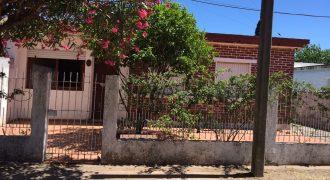 CASA/VIVIENDA EN CALLE PEATONAL DEL BARRIO HIGUIERITAS